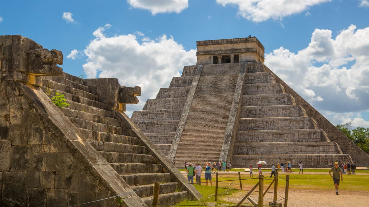 Piramide van Kukulcan in Chichén Itzá, Mexico